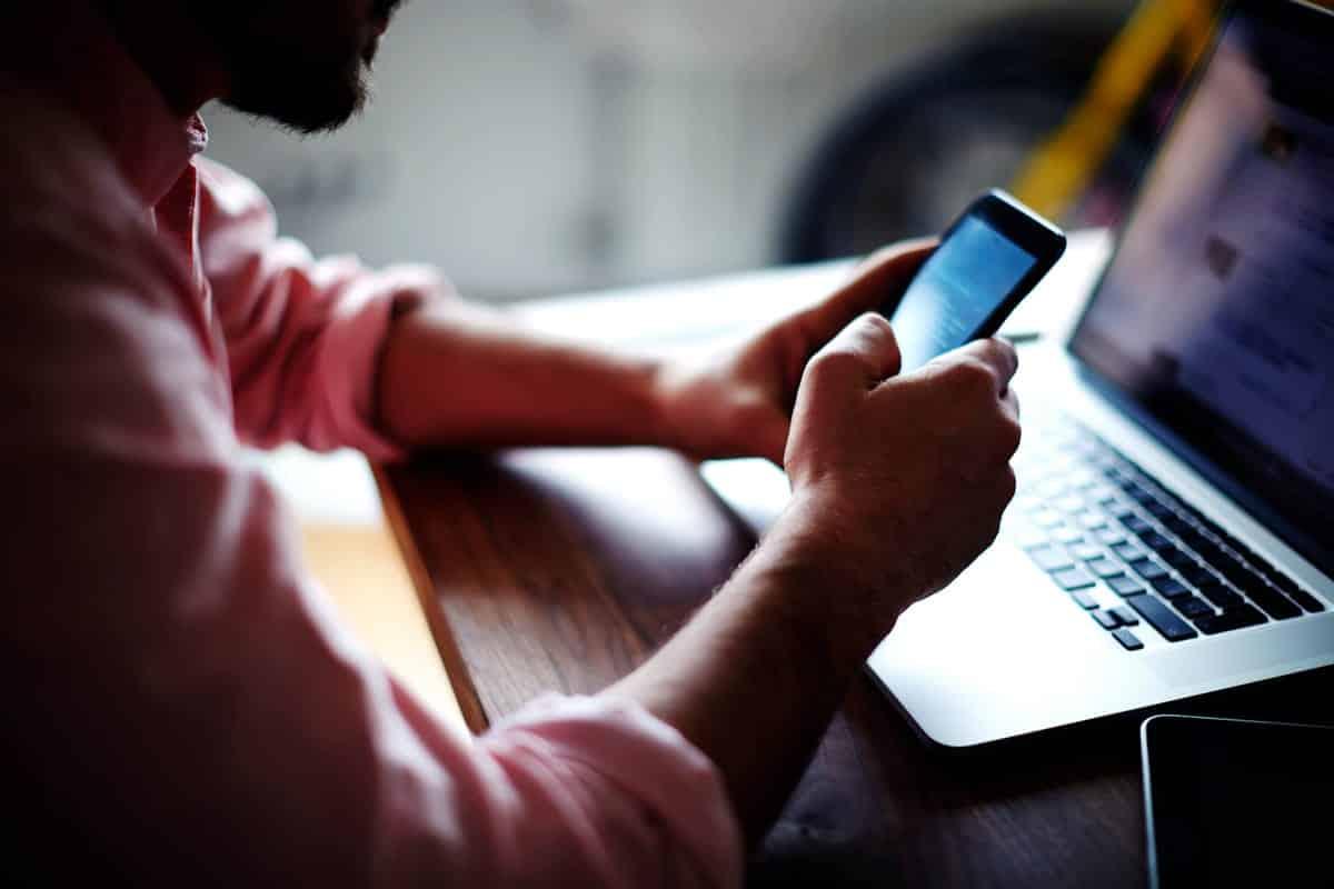 Mobile app user.